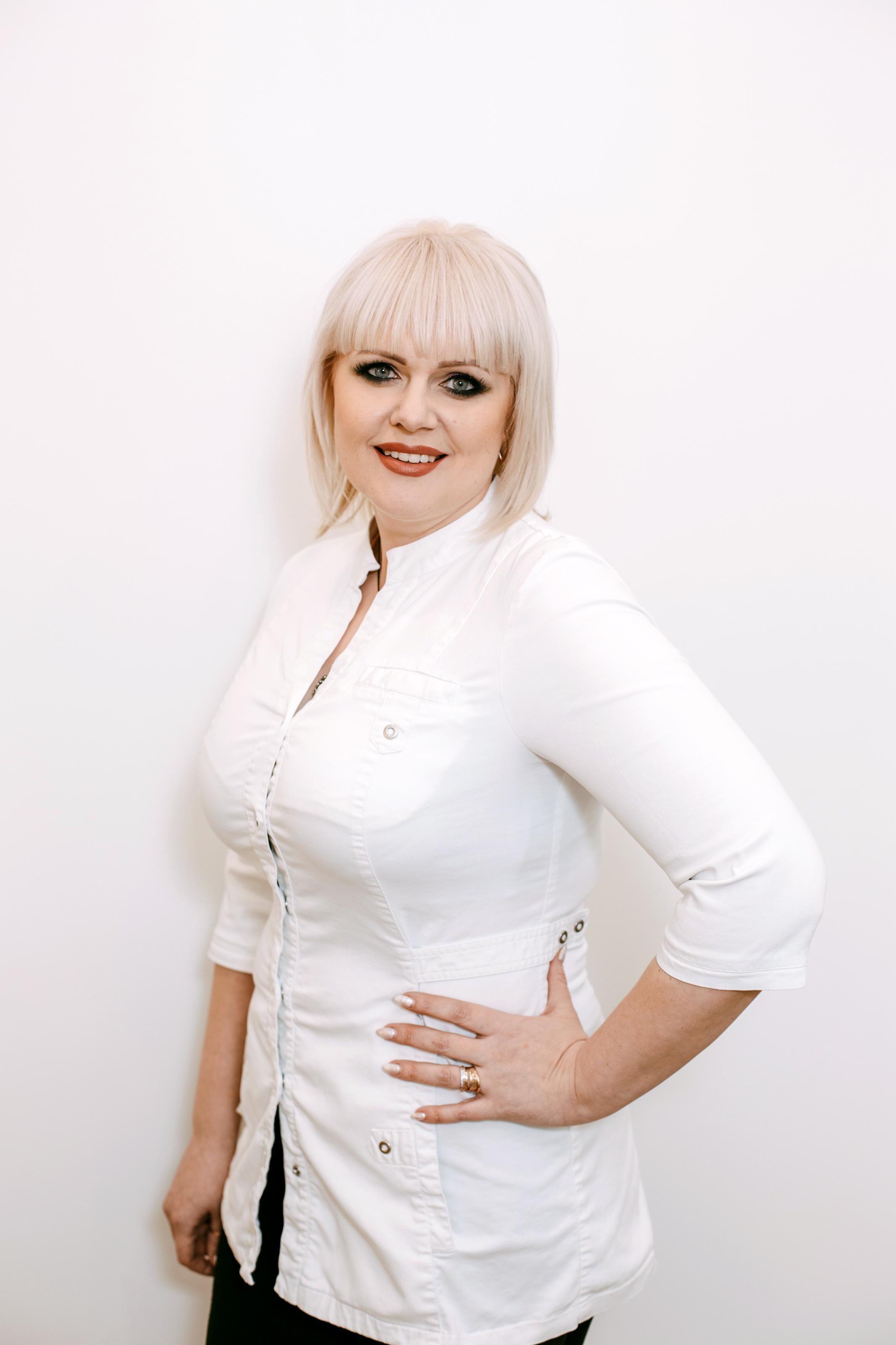 Елена Королькова,мастер маникюра и педикюра